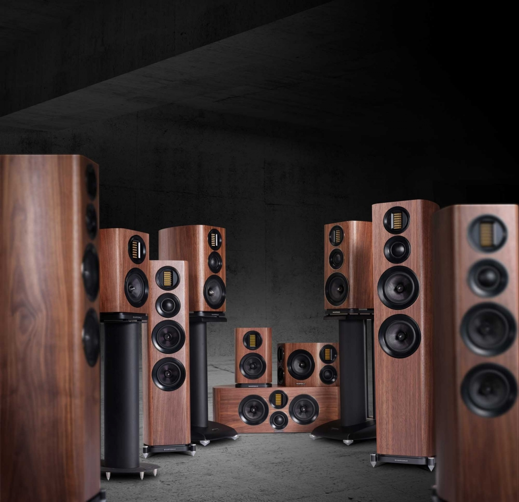 EVO4 Series Walnut Lifestye (1)